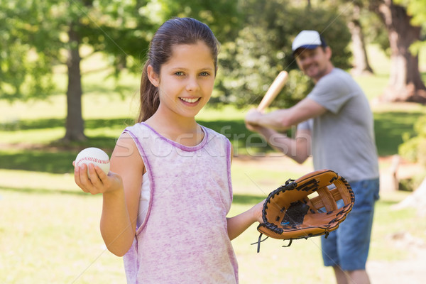 отец дочь играет бейсбольной парка трава Сток-фото © wavebreak_media