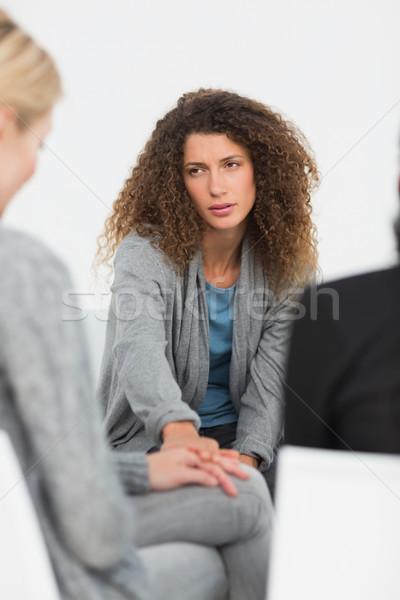 Femme réconfortant autre rehab groupe thérapie Photo stock © wavebreak_media