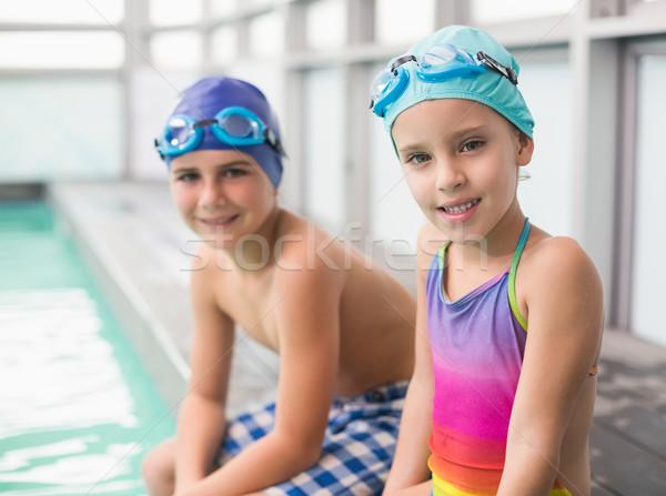 Aranyos kicsi testvérek ül szabadidő központ Stock fotó © wavebreak_media