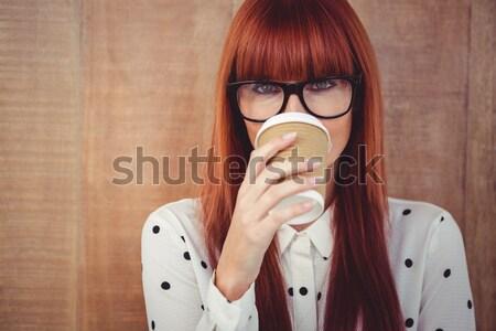 Stockfoto: Vrouw · koffiekopje · gezicht · witte · muur