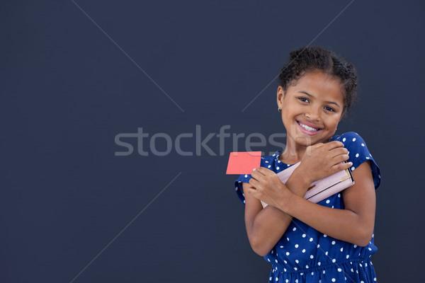 портрет улыбаясь девушки кредитных карт кошелька Сток-фото © wavebreak_media