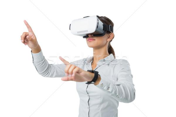 Kobiet wykonawczej faktyczny rzeczywistość zestawu biały Zdjęcia stock © wavebreak_media