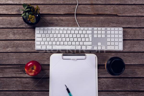 клавиатура буфер обмена яблоко чашку кофе банка завода Сток-фото © wavebreak_media