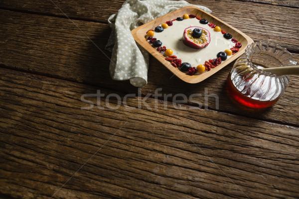 Fruto iogurte mel mesa de madeira tabela Foto stock © wavebreak_media