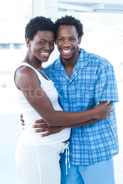Férj feleség ölel áll otthon nő Stock fotó © wavebreak_media
