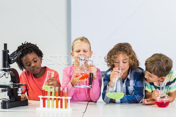 Crianças químico experiência laboratório escolas tecnologia Foto stock © wavebreak_media