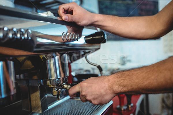 Бариста эспрессо машина мужчины Сток-фото © wavebreak_media
