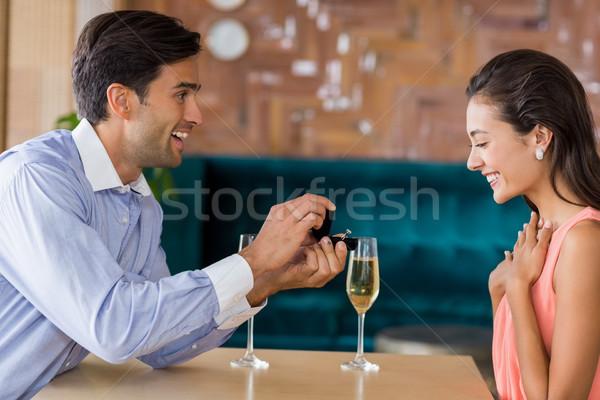男 女性 提供すること 婚約指輪 レストラン 愛 ストックフォト © wavebreak_media
