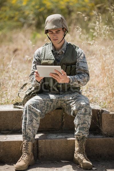 Askeri asker dijital tablet adam web Stok fotoğraf © wavebreak_media