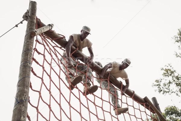 Wojskowych żołnierzy wspinaczki netto mięsa Zdjęcia stock © wavebreak_media