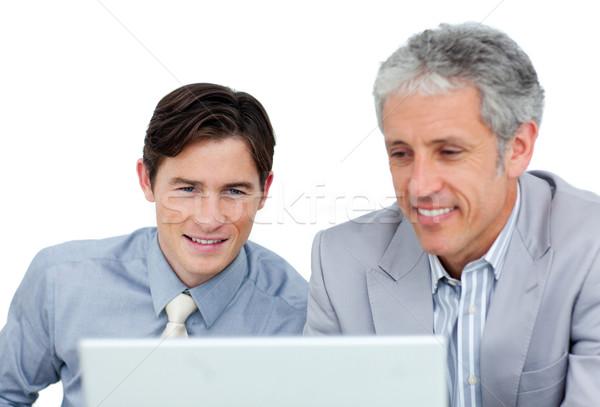 Stockfoto: Geconcentreerde · business · met · behulp · van · laptop · witte · laptop