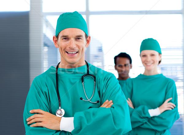Groep chirurg glimlachend camera ziekenhuis Stockfoto © wavebreak_media