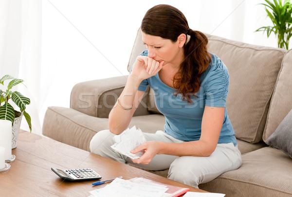 Vrouw vergadering sofa home Stockfoto © wavebreak_media