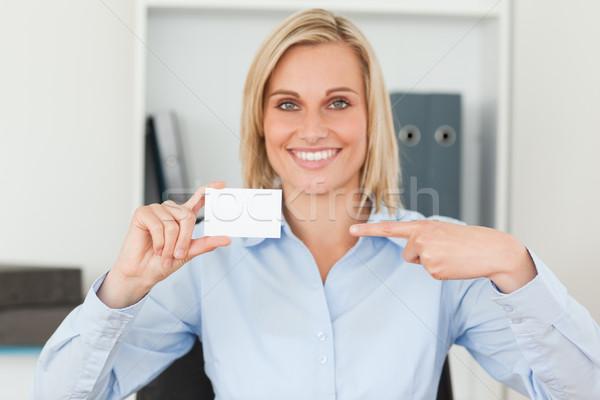 Stock fotó: üzletasszony · mutat · kártya · külső · kamera · iroda