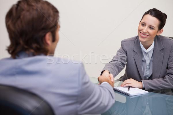 Zdjęcia stock: Młodych · kobieta · interesu · klienta · biuro · działalności · mówić