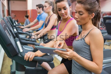 Boldog nők tornaterem hordoz ki értékelés Stock fotó © wavebreak_media