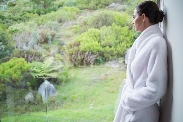 Vrouw badjas zijaanzicht jonge vrouw Stockfoto © wavebreak_media