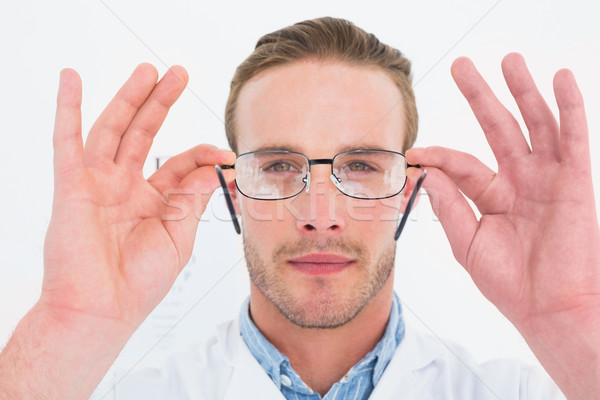 Opticien manteau verres blanche médecin Photo stock © wavebreak_media