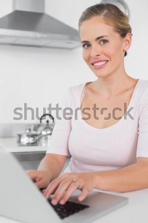 Dolgozik vásárlók körmök manikűrös nő pihen Stock fotó © wavebreak_media