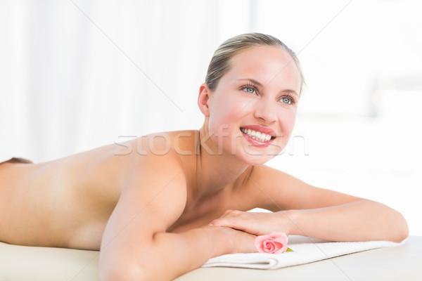 Paisible serviette souriant caméra Photo stock © wavebreak_media