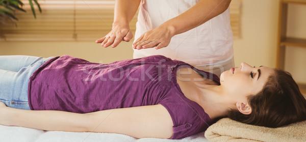 Młoda kobieta reiki leczenie terapii pokój kobieta Zdjęcia stock © wavebreak_media