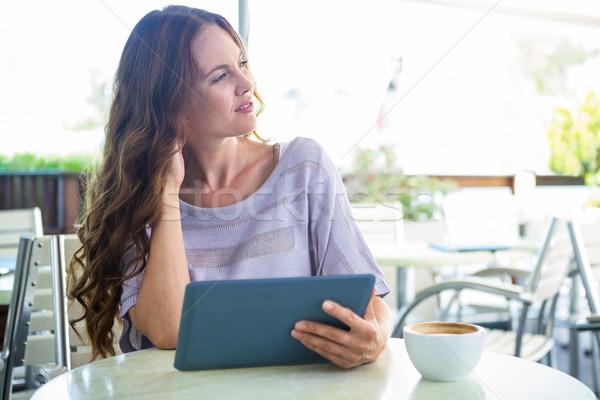 Kadın tablet kafe teras kahve Stok fotoğraf © wavebreak_media