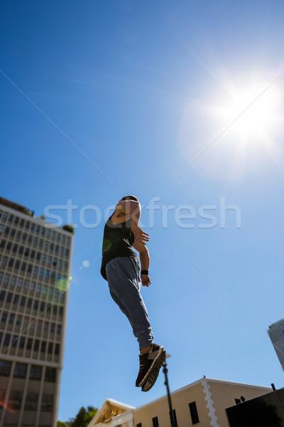 Extrém atléta ugrik levegő város épület Stock fotó © wavebreak_media