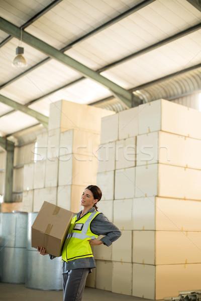 Vrouwelijke werknemer lijden rugpijn zwaar Stockfoto © wavebreak_media