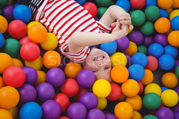 Foto stock: Cute · sonriendo · nino · esponja · pelota · piscina