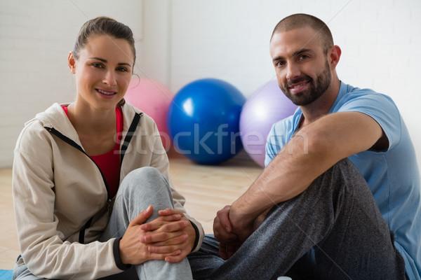Сток-фото: портрет · студент · инструктор · расслабляющая · йога · студию