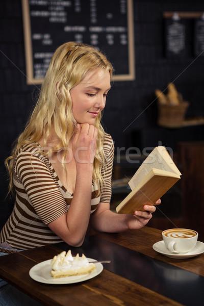 Stock fotó: Nő · olvas · könyv · kávéház · üzlet · kávé