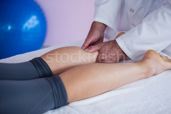 Jambe massage femme clinique homme pied Photo stock © wavebreak_media