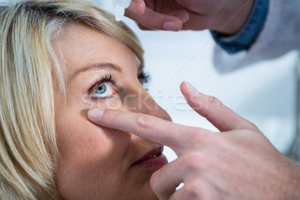 Optometrist damla gözler klinik el Stok fotoğraf © wavebreak_media
