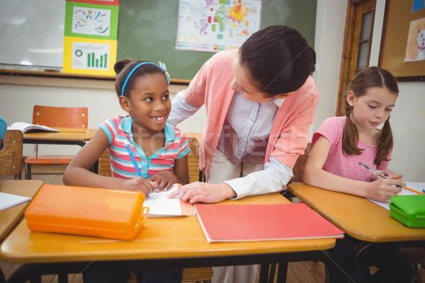 Nauczyciel biurko klasie kobieta dziewczyna szkoły Zdjęcia stock © wavebreak_media