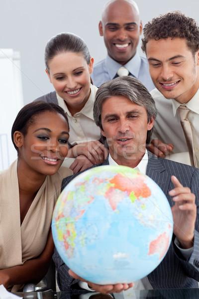 Stockfoto: Zakenlieden · glimlachend · wereldwijde · business · business · vrouw · handen