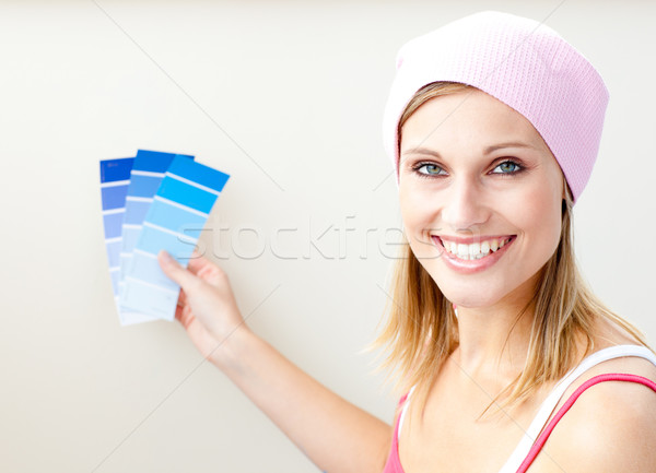 Joyeux · jeune · femme · couleur · peinture · chambre  photo stock © Wavebre