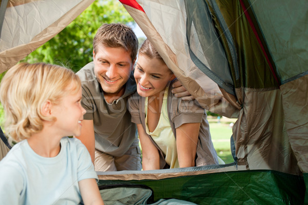 Familie camping park groene reizen jongen Stockfoto © wavebreak_media