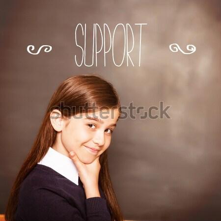 ストックフォト: 幸せ · 若い女性 · 読む · ノート · 教室 · 笑顔