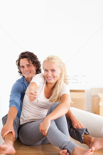 ストックフォト: 肖像 · かわいい · 女性 · 座って · 彼氏 · キー