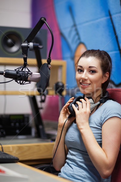 Portré rádió házigazda pózol törik munka Stock fotó © wavebreak_media