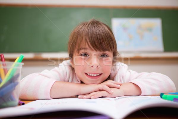 счастливым школьница столе классе лице Сток-фото © wavebreak_media