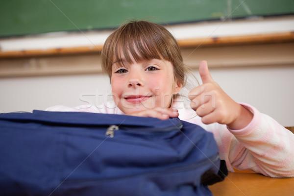 Stockfoto: Cute · schoolmeisje · poseren · zak · duim · omhoog