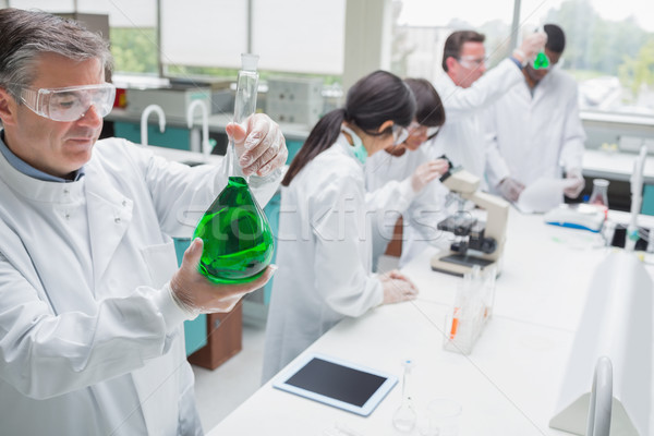 Werken laboratorium groene vloeibare kantoor medische Stockfoto © wavebreak_media
