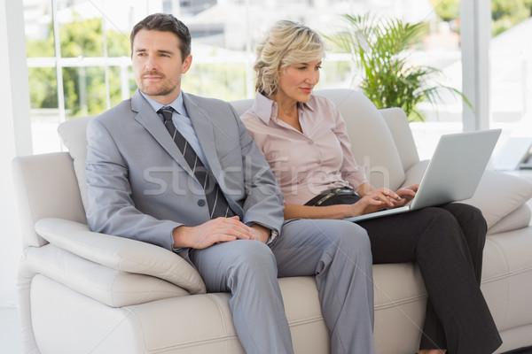Jólöltözött férfi nő laptopot használ otthon nyugodt Stock fotó © wavebreak_media