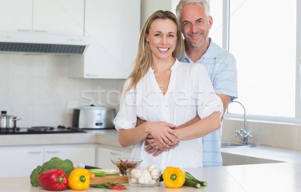 Hartelijk paar vegetarisch diner samen home Stockfoto © wavebreak_media