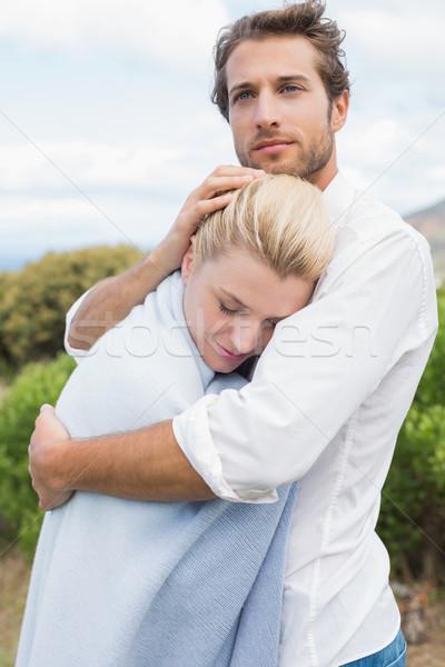 Homme petite amie bleu couverture à l'extérieur Photo stock © wavebreak_media