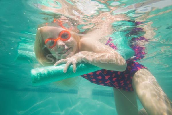 Cute nino posando subacuático piscina ocio Foto stock © wavebreak_media