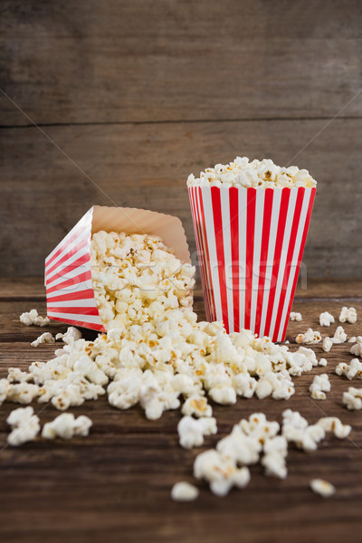 Popcorn houten tafel papier drinken rood for Tafel papier