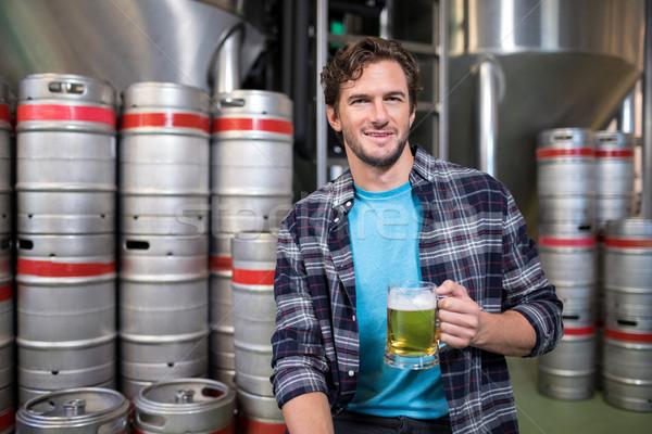 Portret werknemer bier glas fabriek Stockfoto © wavebreak_media