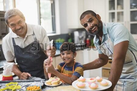 Familia harina nariz pie cocina sonriendo Foto stock © wavebreak_media
